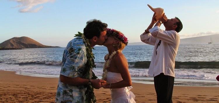 Matrimonio Simbolico Hawaii : Matrimonio hawaiano immancabile il soffio in una conchiglia di