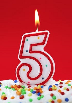 Auguri Buon Compleanno 5 Anni.La Straniera Compie 5 Anni La Stranierala Straniera